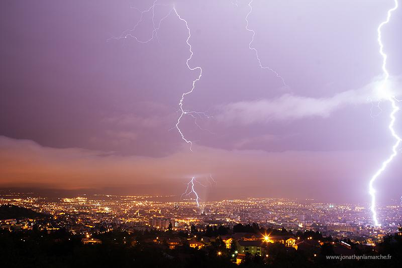 Double coup de foudre sur Clermont-Ferrand